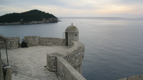 A little guard tower, overlooking the water.