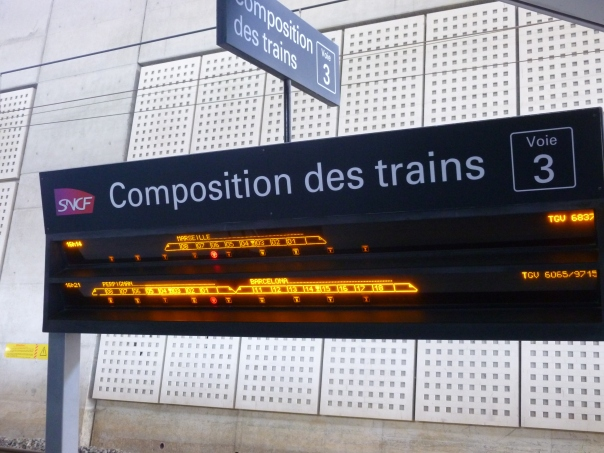 This the helpful electronic diagram that told me where to find my car on the double TGV duplex (double-decker) train. As it shows the rear 10-car set was terminating at Perpignan, with the front set continuing into Spain to Barcelona.